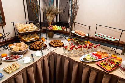 Cortlandt Colonial Restaurant - Round table buffet menu